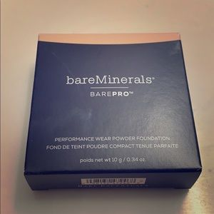 bareMinerals BarePro Foundation in 03 Champagne